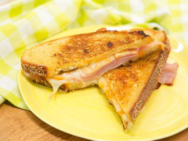 Pepper Jelly Grilled Cheese